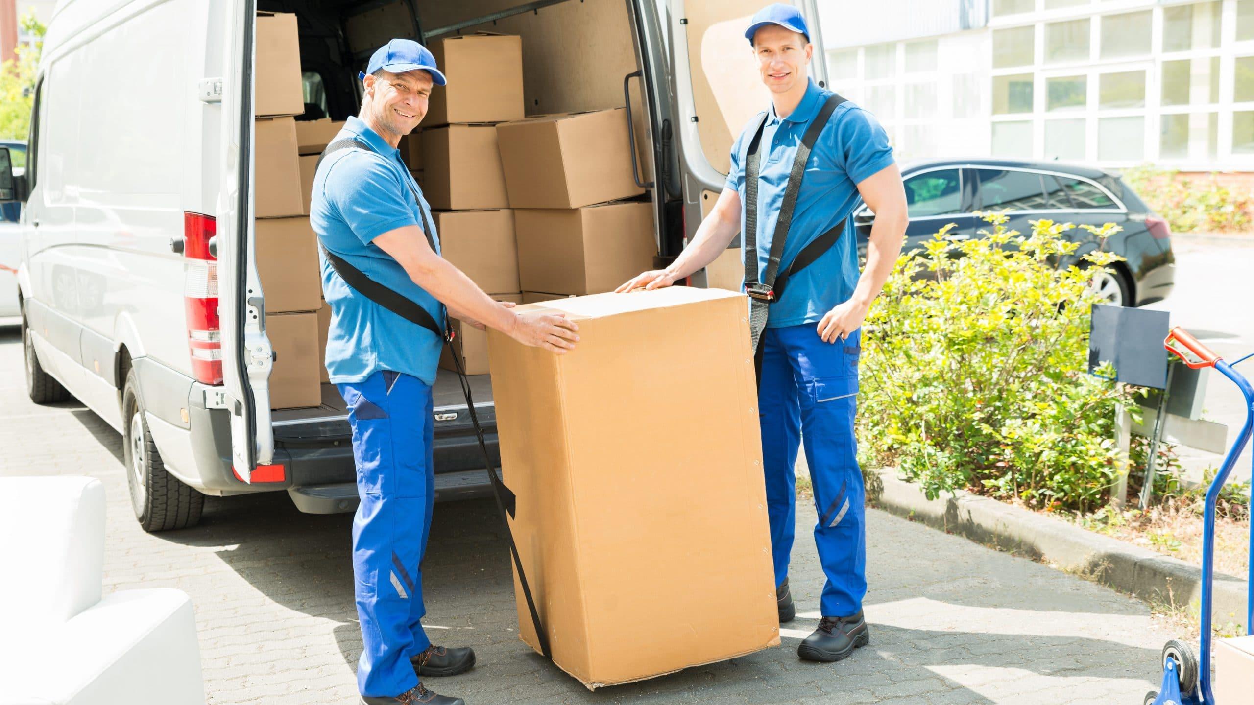 Flytte nettside og e-post kontoer til ny leverandør.